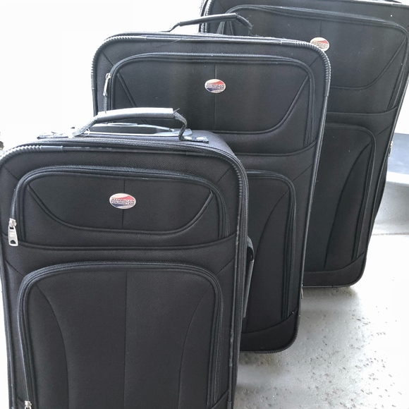 0ad2a317e American Tourister Handbags - Set of 3 American Tourister Suitcases